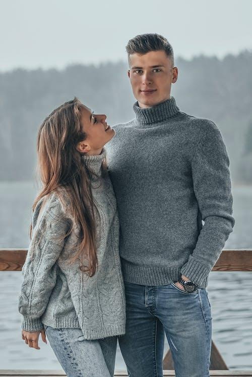Бесплатное стоковое фото с близость, женщина, зима, любовь