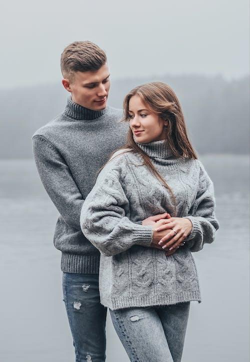Бесплатное стоковое фото с близость, досуг, женщина, зима