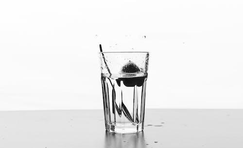 冻结动作, 水滴, 湯匙, 玻璃 的 免费素材照片