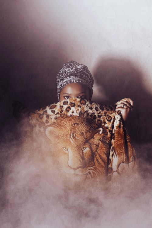 Ilmainen kuvapankkikuva tunnisteilla Afrikka, afrikkalainen amerikkalainen tyttö, afroamerikkalainen, aikuinen