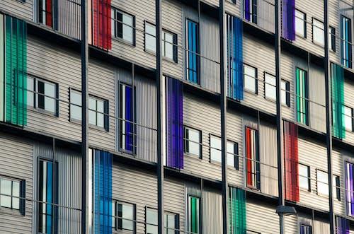 低角度拍攝, 住宅, 公寓, 反射 的 免费素材照片