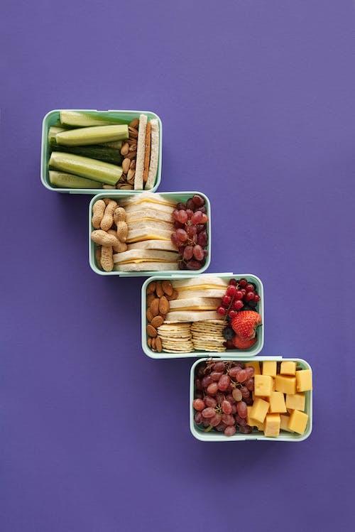 Lebensmittelbehälter Aus Rotem Und Weißem Kunststoff