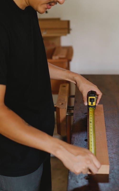 Cortar Carpinteiro Com Fita Métrica