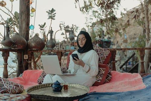 Fotos de stock gratuitas de hiyab, islam, mujer