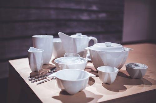 คลังภาพถ่ายฟรี ของ ของบนโต๊ะอาหาร, มีด, เครื่องถ้วยชาม, เครื่องลายคราม