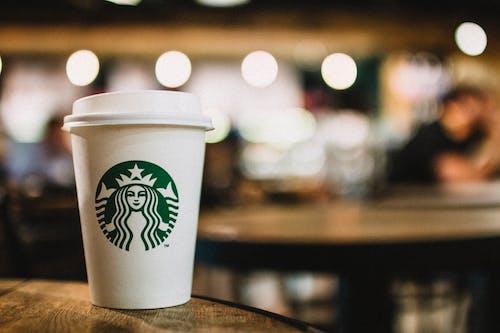 Close Upfotografie Van Een Wegwerpbeker Van Starbucks