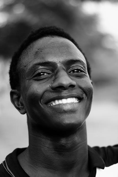 Gratis stockfoto met aardig, Afro-Amerikaanse man, blauwig