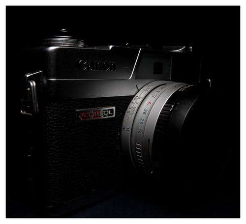 Безкоштовне стокове фото на тему «Canon, камера, об'єктив, Темний»