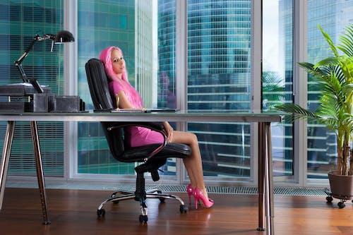 Fotobanka sbezplatnými fotkami na tému dáma, kancelária, mesto, mestský