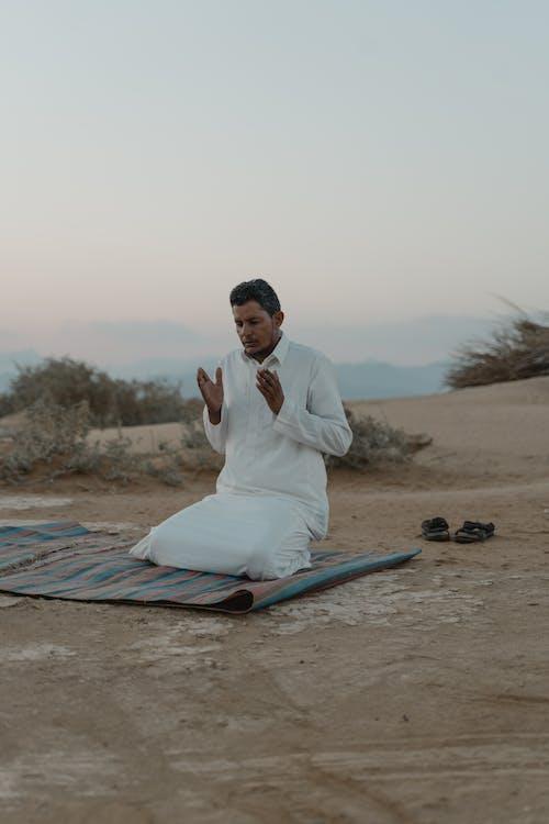 shalwar kameez, 기도, 남성의 무료 스톡 사진