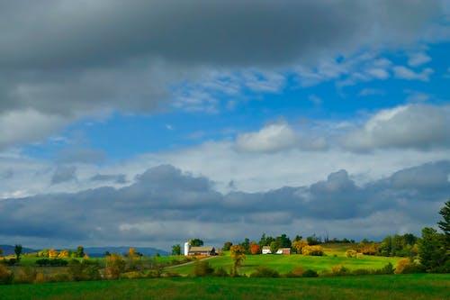 Gratis lagerfoto af agerjord, bane, dyrket jord, gård