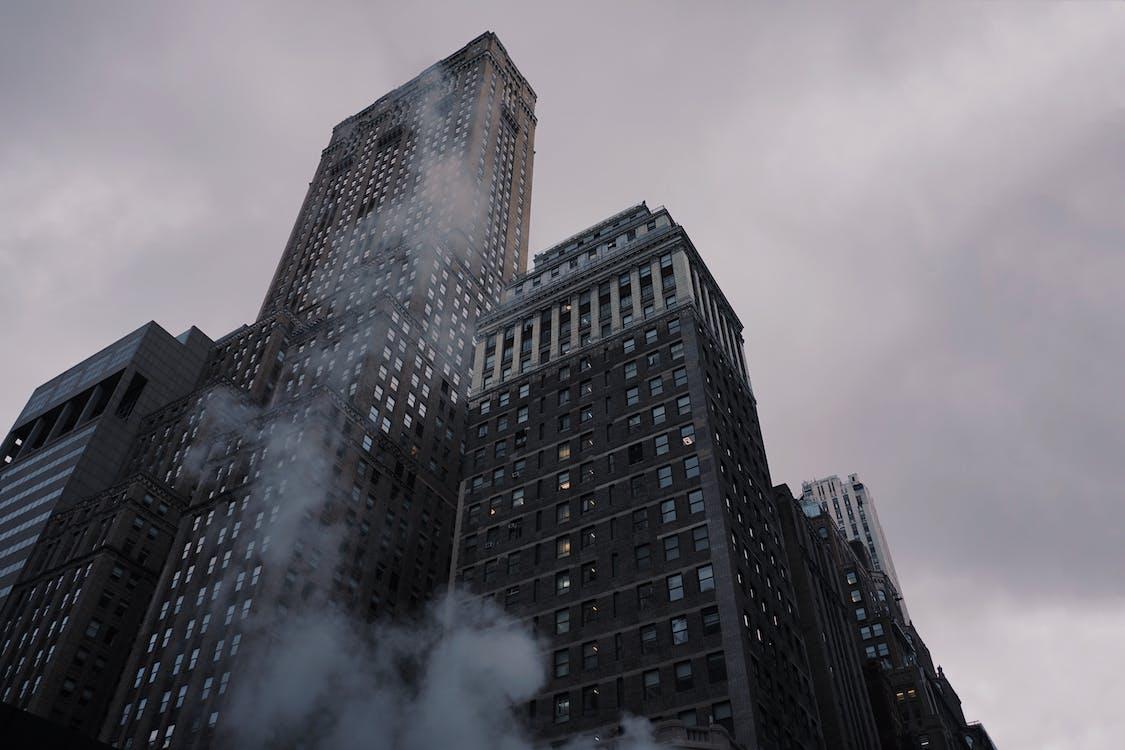 ขาวดำ, ตึก, ตึกระฟ้า