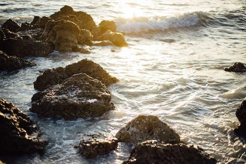 Fotobanka sbezplatnými fotkami na tému krajina pri mori, kývať, mávať, more