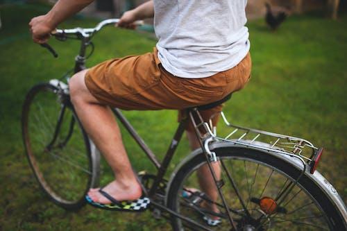 Δωρεάν στοκ φωτογραφιών με άνδρας, μηχανή, παντελόνι, ποδηλασία