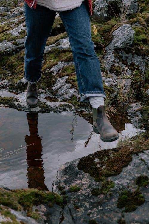 คลังภาพถ่ายฟรี ของ faceless, กลางแจ้ง, กางเกงยีนส์สีน้ำเงิน