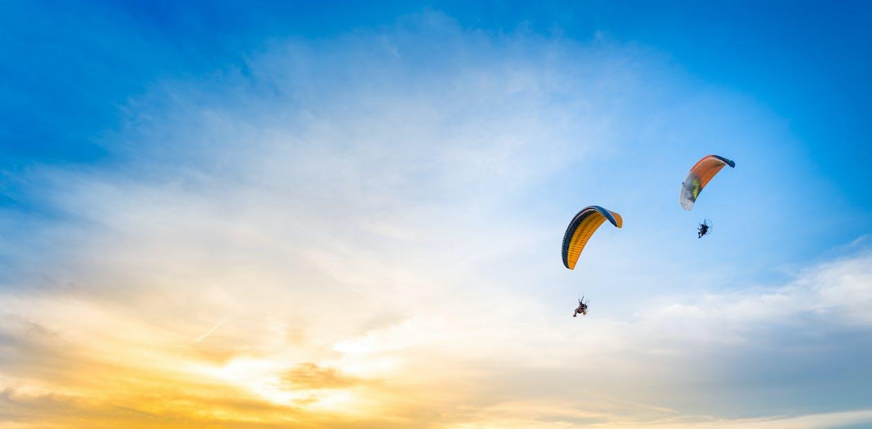 Foto d'estoc gratuïta de capvespre, cel, cel blau