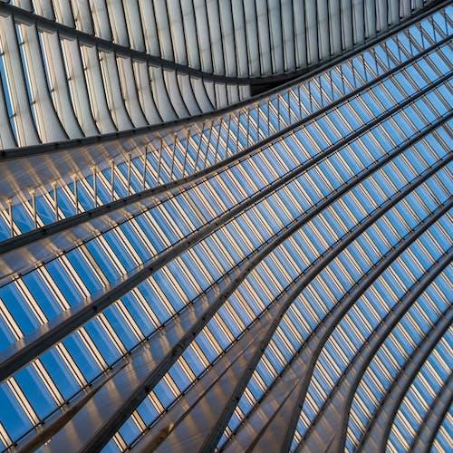 çizgiler ve eğriler, metal yapı içeren Ücretsiz stok fotoğraf