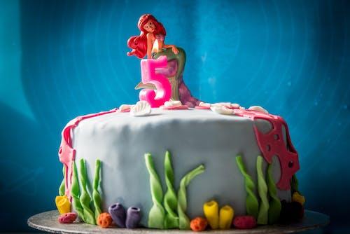 5, doğum günü pastası içeren Ücretsiz stok fotoğraf