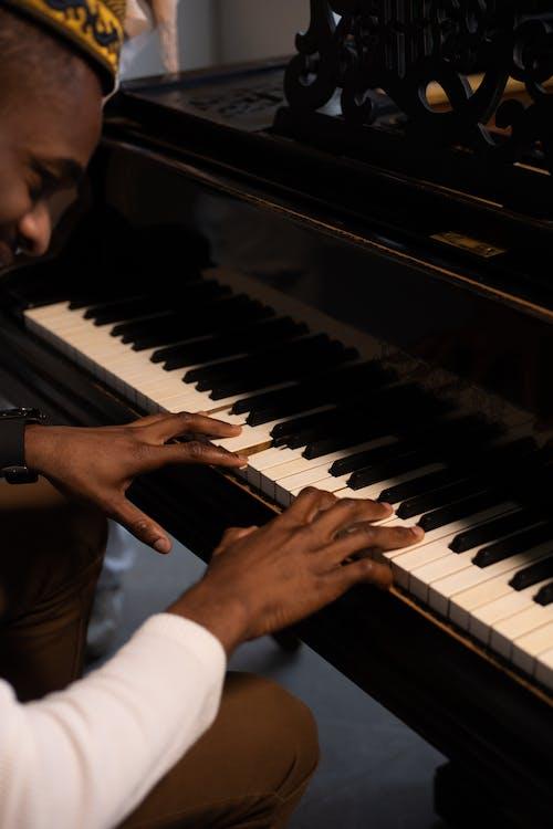 Ilmainen kuvapankkikuva tunnisteilla ääni, afroamerikkalainen mies, esiintyä