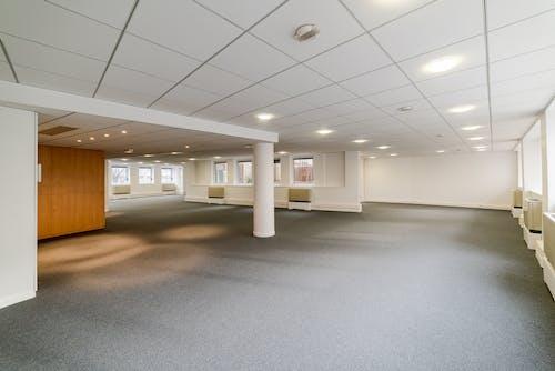boş, boş ofis, ofis içeren Ücretsiz stok fotoğraf