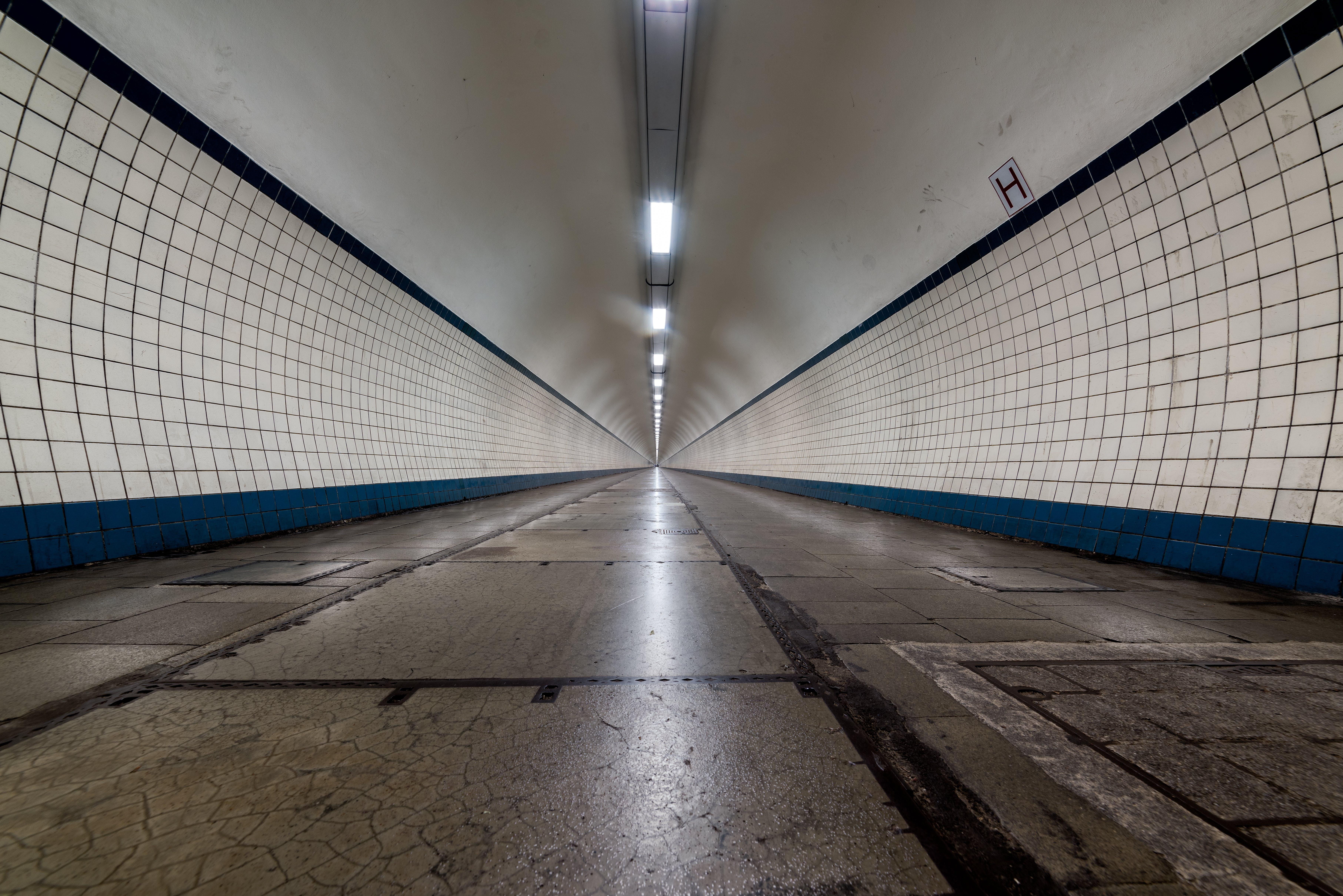 Free stock photo of corridor, empty, tunnel, tunnel view