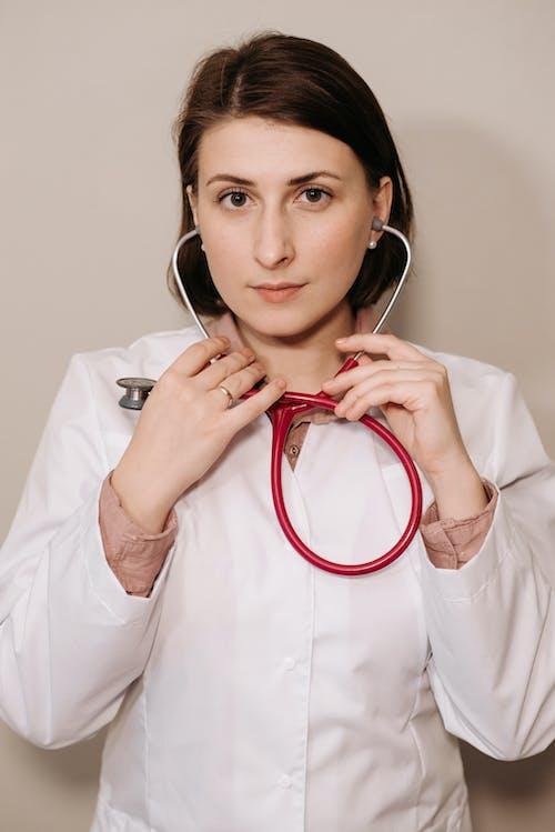 คลังภาพถ่ายฟรี ของ คุณหมอ, ผู้หญิง, ภาพพอร์ตเทรต