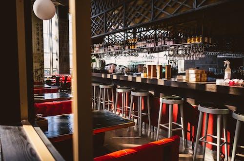 Gratis stockfoto met alcoholische dranken, architectuur, balk