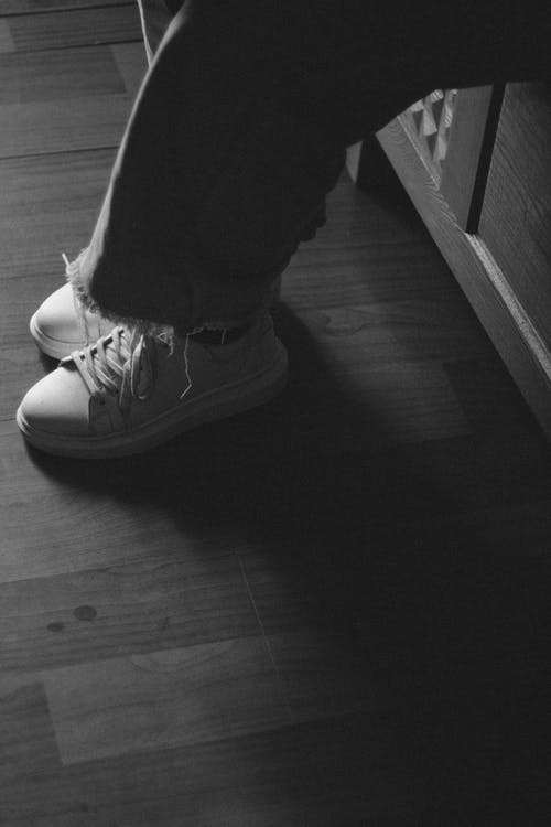 Gratis stockfoto met contrast, schaduw, schaduwbeeld, schoenen
