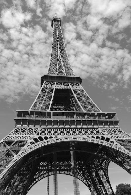 Ingyenes stockfotó alacsony szögű felvétel, ég, Eiffel-torony témában
