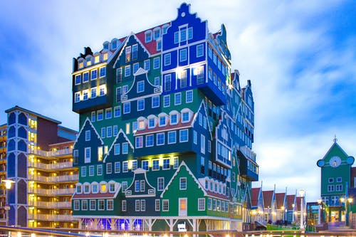 城市, 城鎮, 市中心, 建築物正面 的 免费素材照片
