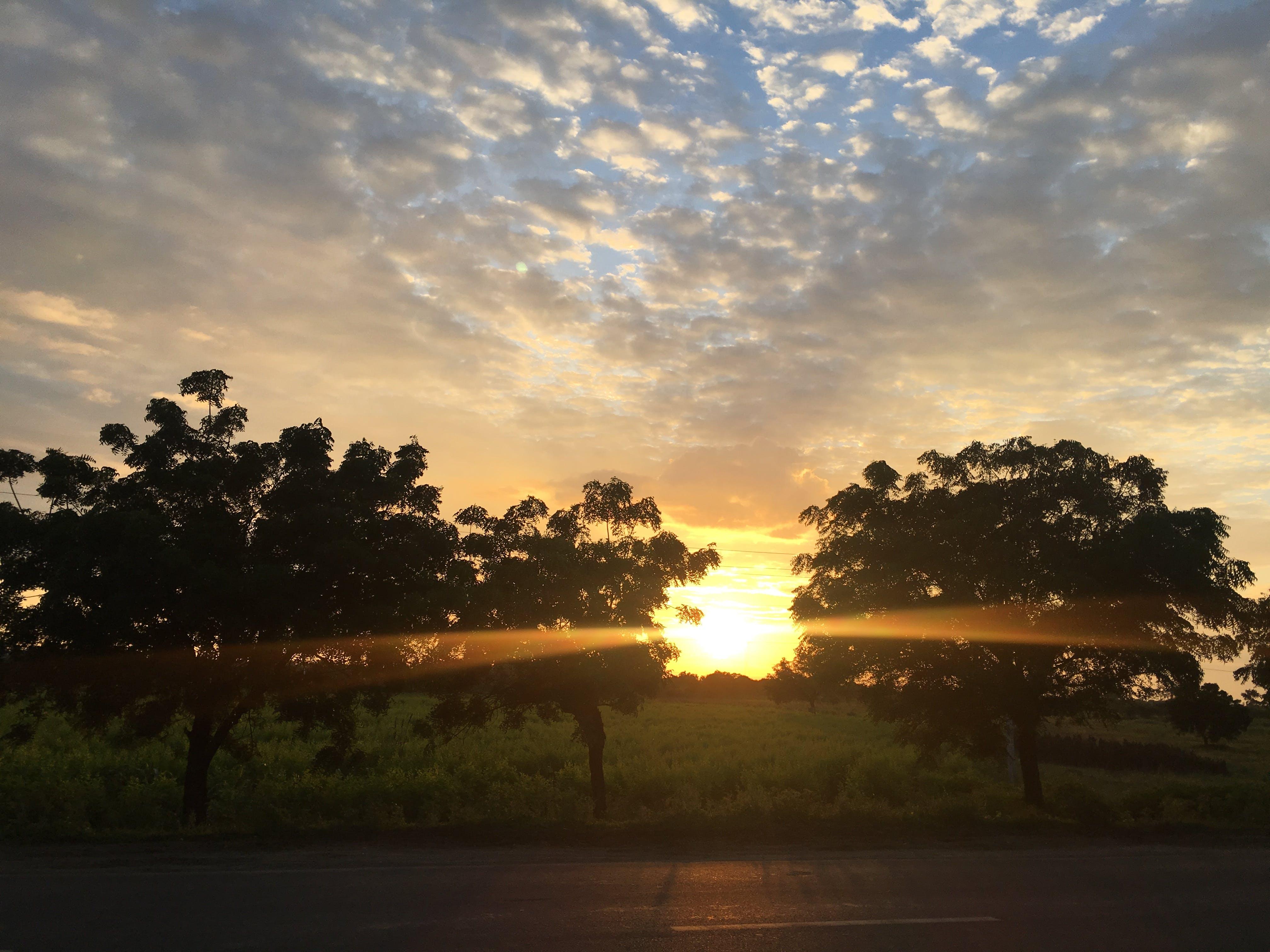 Kostenloses Stock Foto zu abendsonne, goldene sonne, orange himmel, sonnenuntergang