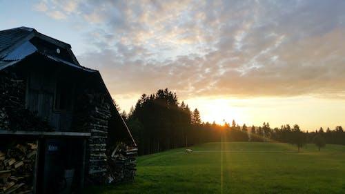Ảnh lưu trữ miễn phí về cabin, Gỗ chạm trổ, Hoàng hôn, Nhà cũ