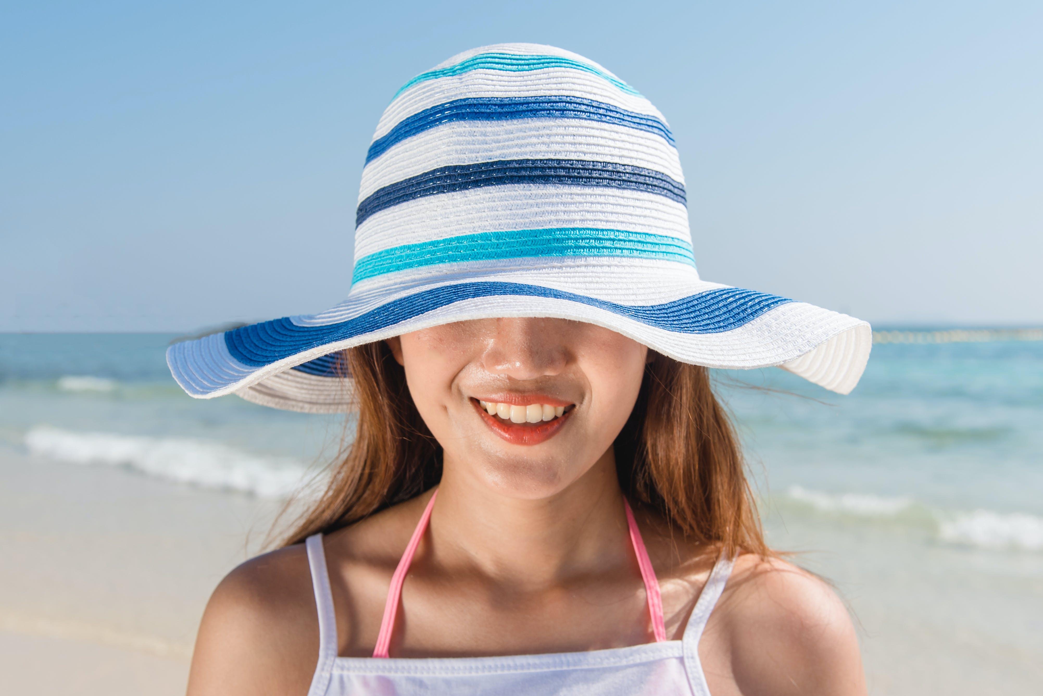 về biển, bờ biển, cát, con gái