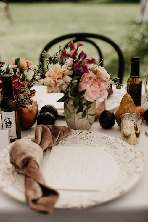 Ảnh lưu trữ miễn phí về cắm hoa, chú rể, cô dâu, cuộc sống tĩnh lặng