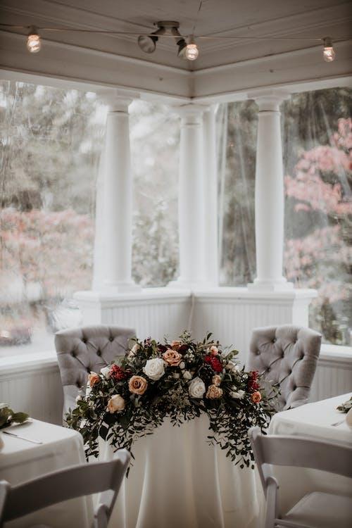 Ảnh lưu trữ miễn phí về bàn, bàn người yêu, bàn tiếp đãi, cái bình hoa