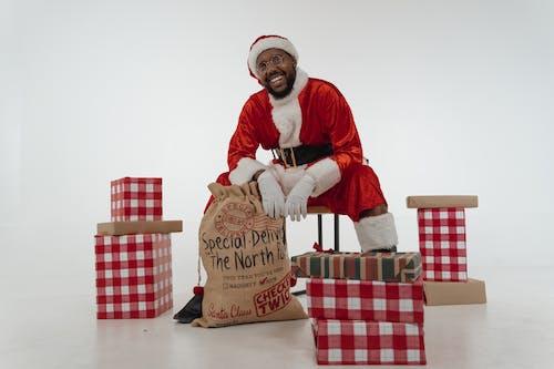 アフリカ系アメリカ人, ギフト用の箱, クリスマスの無料の写真素材