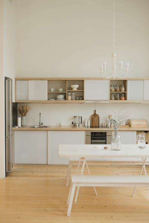 White Wooden Kitchen Cabinet With Kitchen Sink