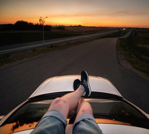 Darmowe zdjęcie z galerii z anonimowy, asfalt, auto, automatyczny