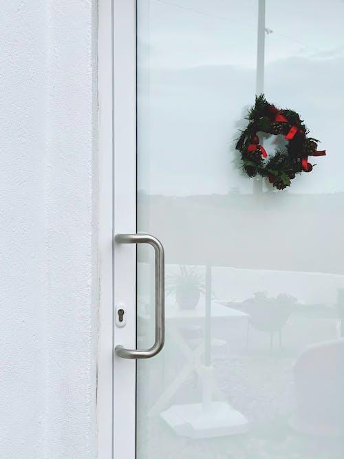 Kostnadsfri bild av dörr, jul, julstämning, mysigt hem