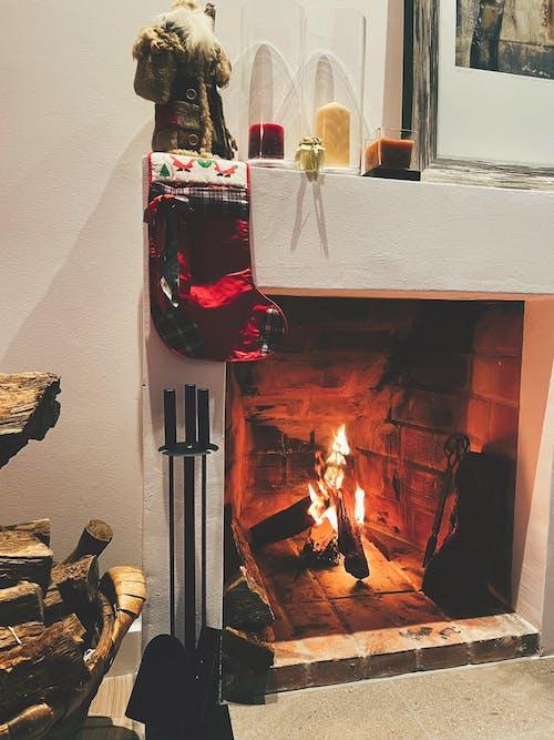 Kostnadsfri bild av jul, julstämning, mysigt hem, öppen spis