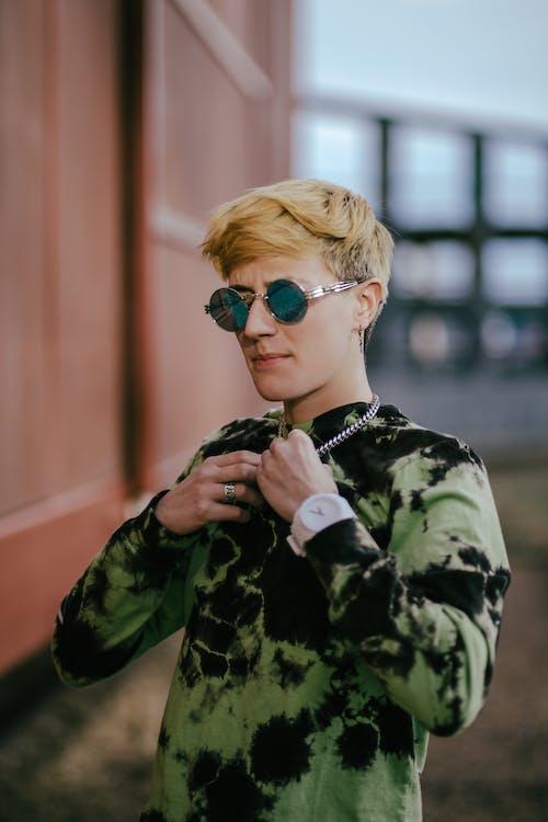 Kostenloses Stock Foto zu auge, blondes haar, brille