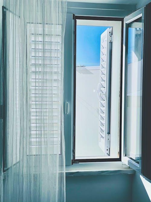 Kostnadsfri bild av arkitektur, badkar, badrum, blå himmel