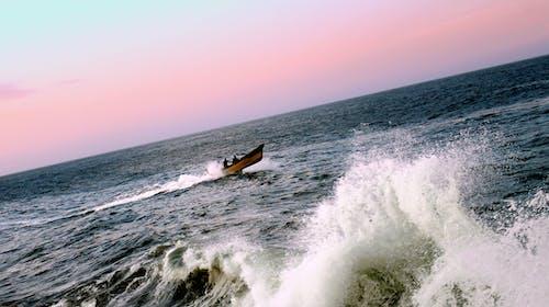 Fotobanka sbezplatnými fotkami na tému hobľovanie, loď, mávať, more