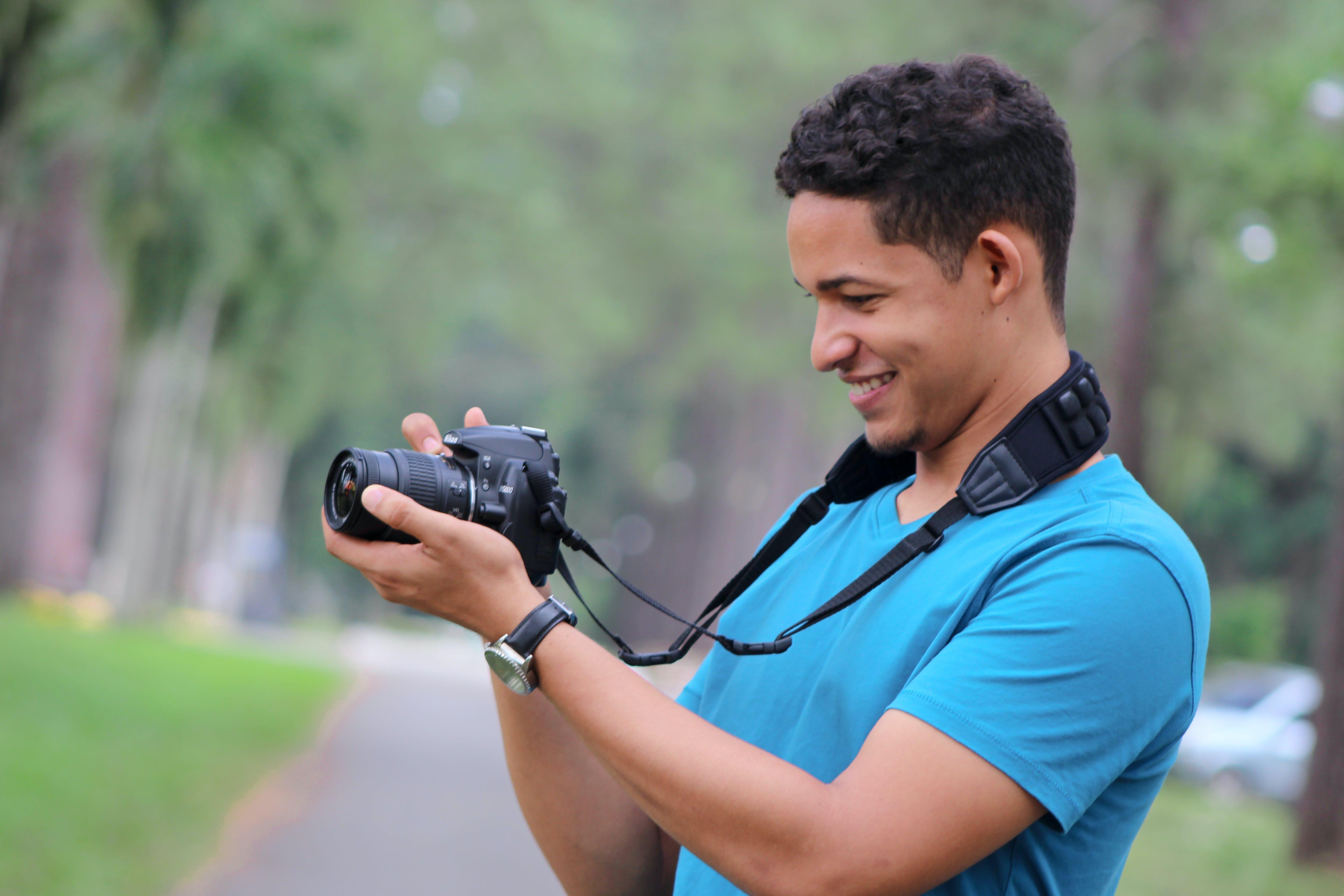 Men's Black Dslr Camera