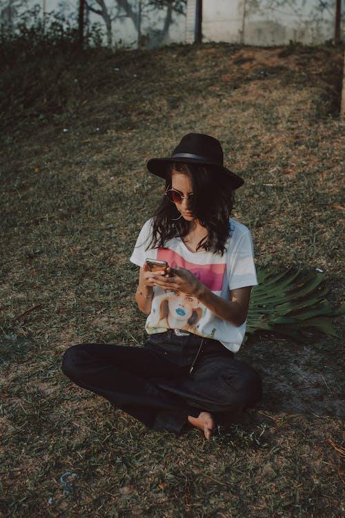 공원, 레크리에이션, 바지, 선글라스의 무료 스톡 사진