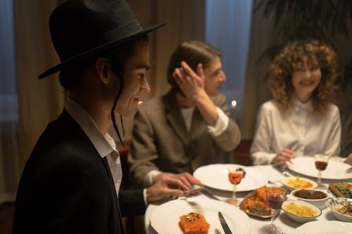 Foto profissional grátis de alegria, alimento, almoço