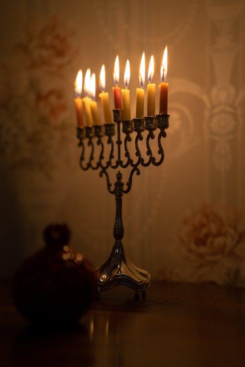 Fotos de stock gratuitas de adentro, alumbrado por velas, brillante