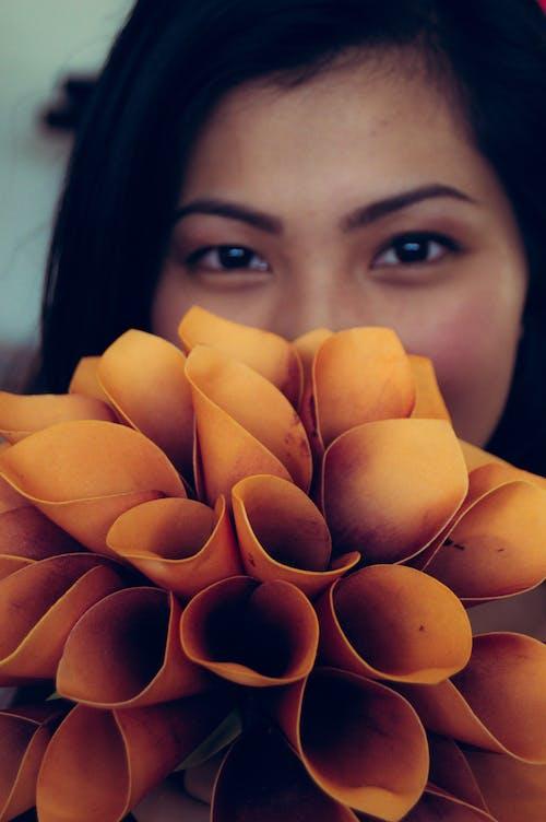 Ingyenes stockfotó lány, virág témában