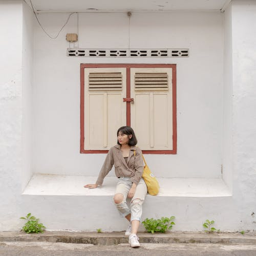 Základová fotografie zdarma na téma architektura, asiatka, atraktivní žena