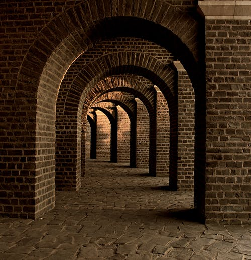 建造, 拱形, 磚塊, 走廊 的 免费素材照片